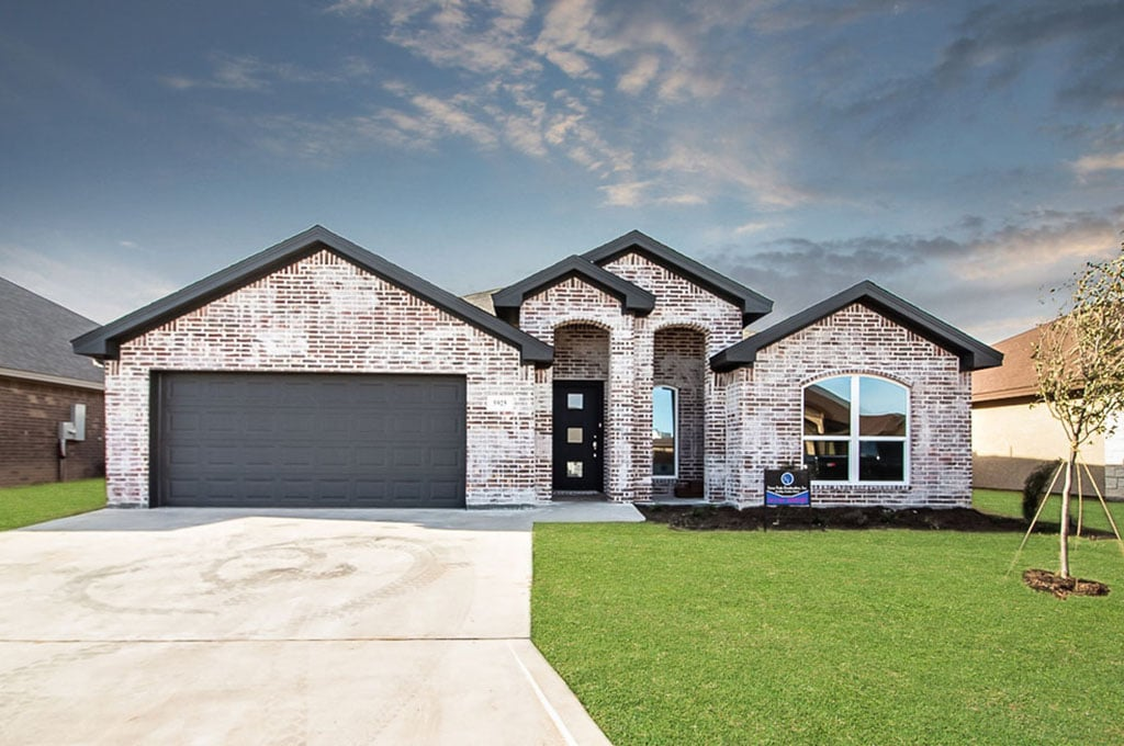 San Angelo Custom Home Builder - 5925 Tarin St, San Angelo TX 76904