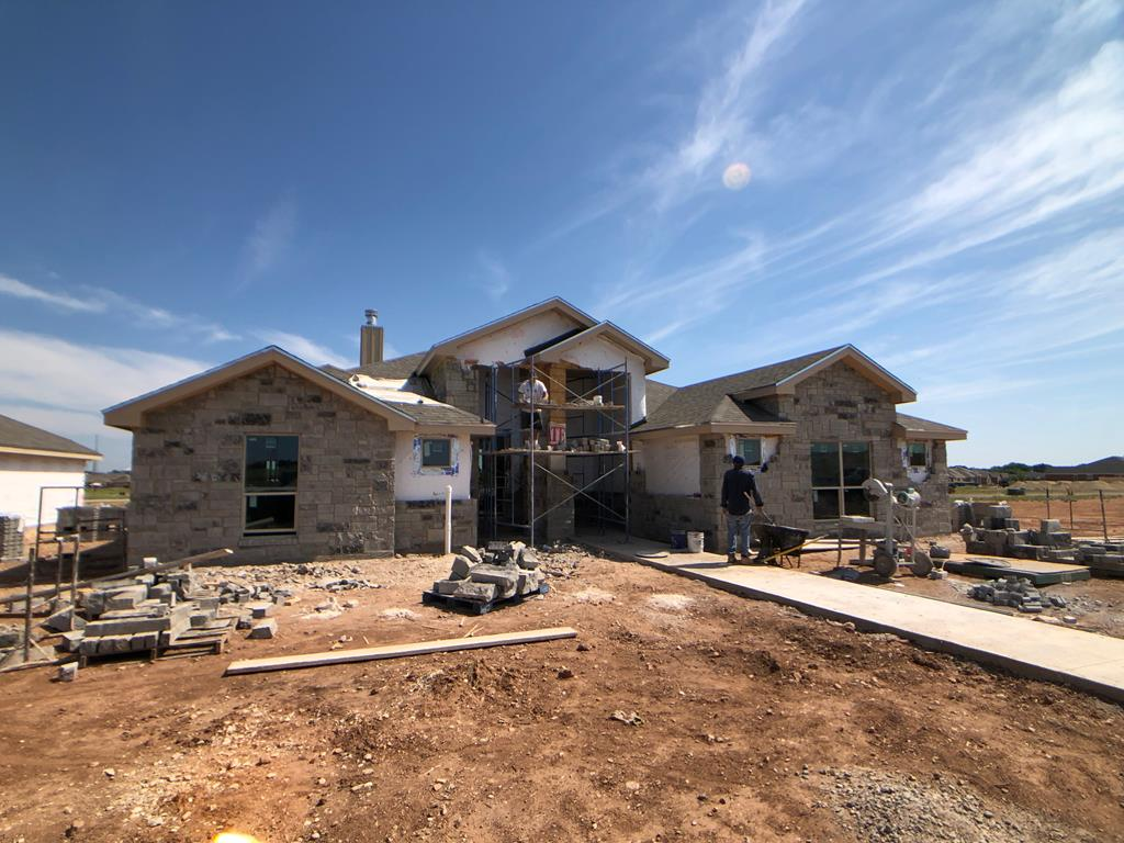 San Angelo Custom Home Builder - 5045 Scarlet Oak Dr, San Angelo TX 76904