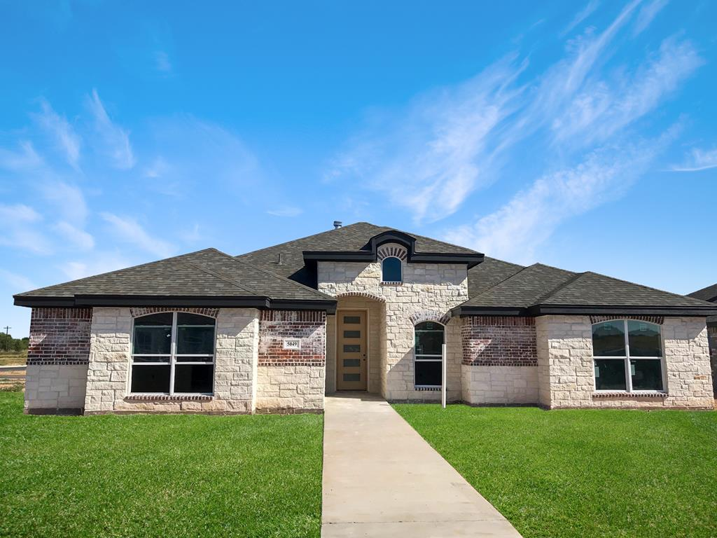 San Angelo Custom Home Builder - 5049 Scarlet Oak Dr, San Angelo TX 76904